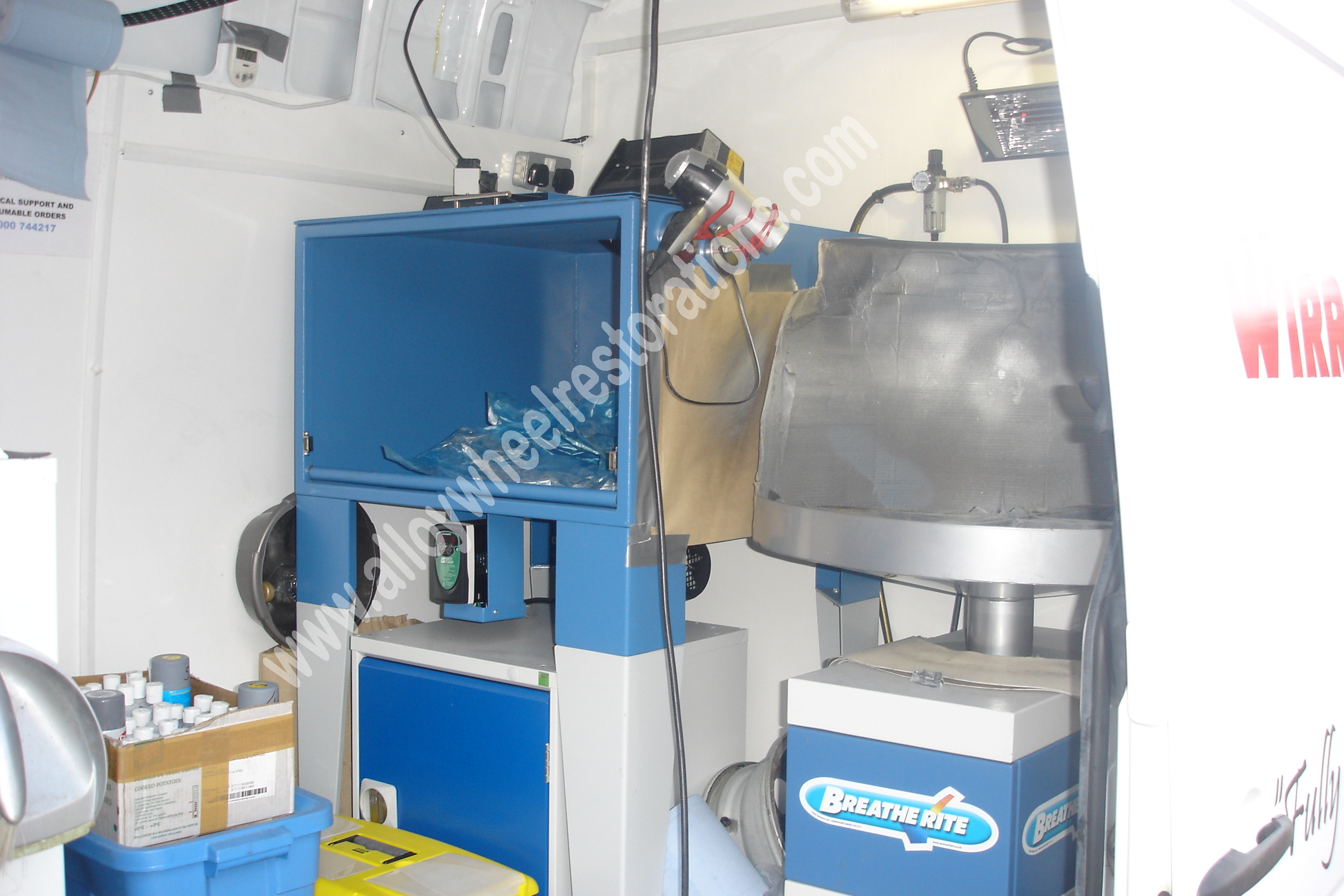 wheel-finnishing-area-uv-oven-spray-booth-area
